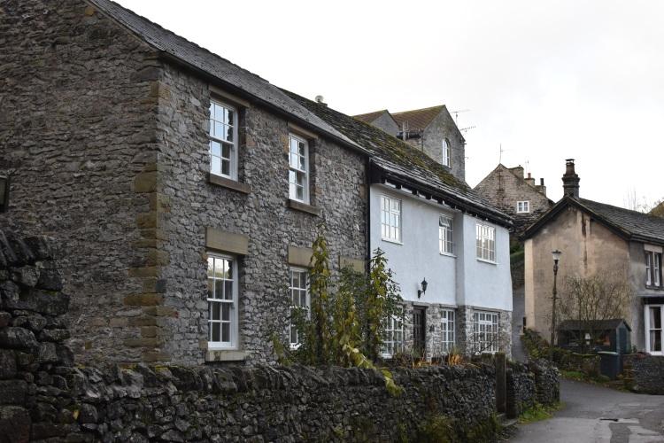 castleton-peak-district-houses