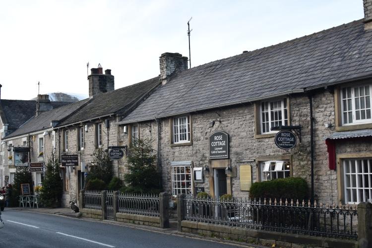 castleton-peak-district-main-street