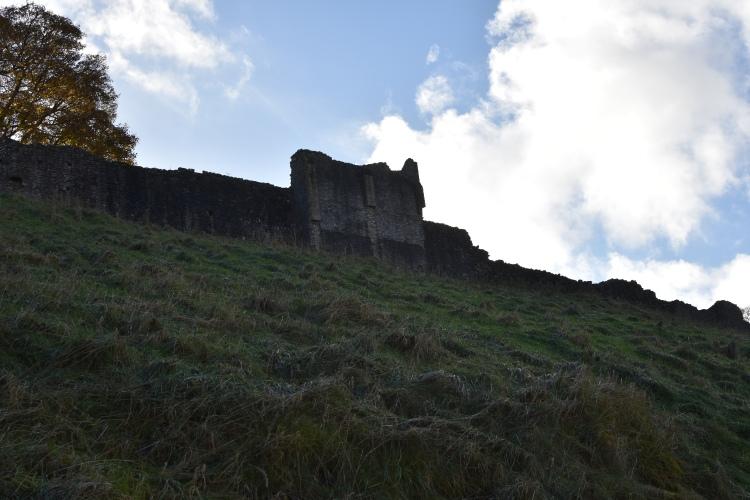 castleton-peak-district-peveril-castle