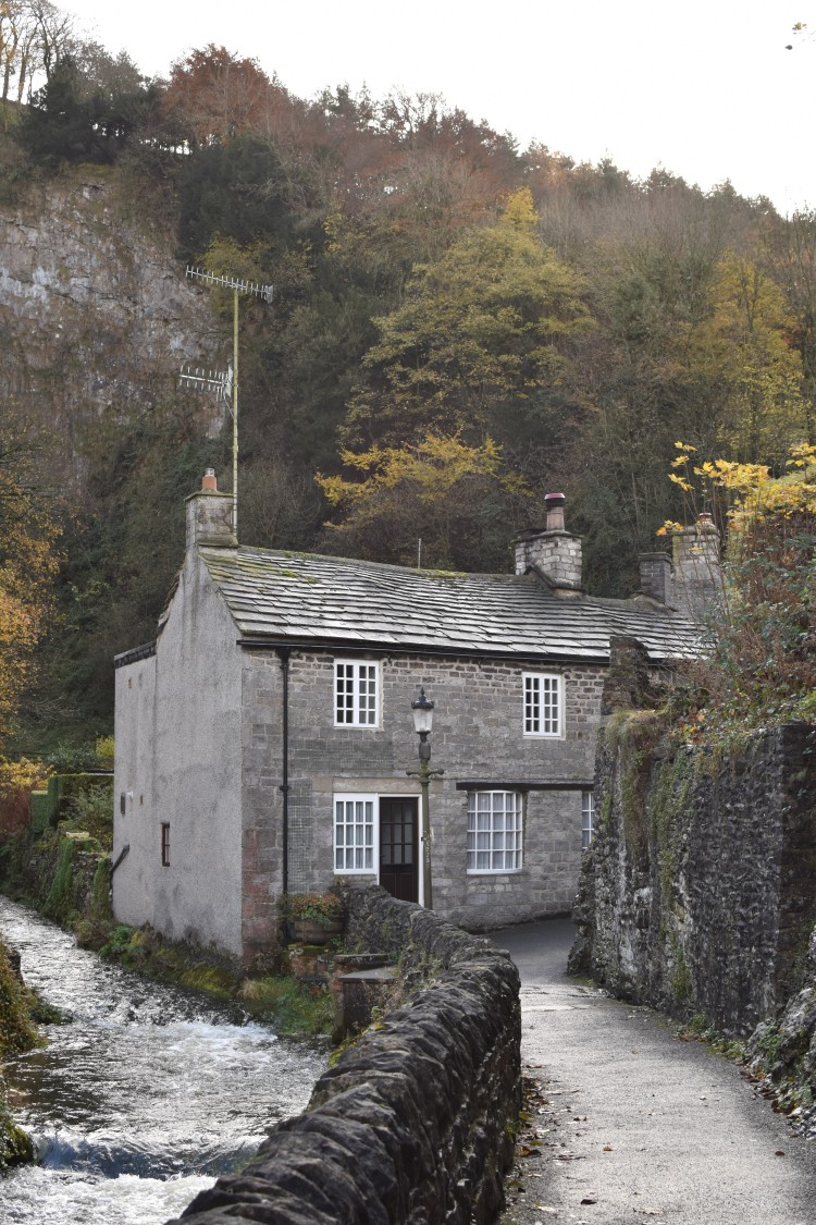that-house-in-castleton-peak-district